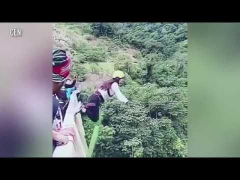 سقطة مروعة لفتاة مغامرة من فوق جسر ارتفاعه 15 مترًا